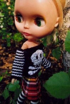 cute sweater, Blythe!