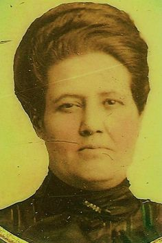 This is a picture of Paulita Maxwell in middle age. The photo is in the possession of Bob McCubbin of Santa Fe. Texas History, Family History, William H Bonney, Billy The Kids, Le Far West, Old West, Western Cowboy, Middle Ages, Santa Fe