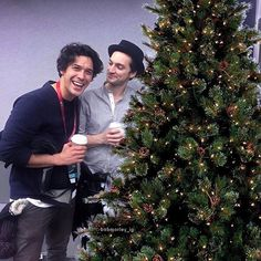 "6,146 Me gusta, 63 comentarios - Bob Morley - The 100 (@bobmorley_ig) en Instagram: "". Hope you all have a great day ❄ 2 days till Christmas   Dedicated to my Murphamy fans especially…"""
