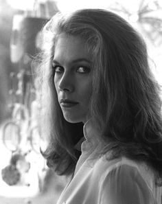 Mary Kathleen Turner (born June 19, 1954), better known as Kathleen Turner, is an American film and stage actress and director.