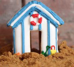 Gingerbread beach hut by Biscuiteers