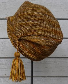 Ravelry: Therese Hat pattern by Nina Machlin Dayton Knitted Fabric, Knitted Hats, Knit Crochet, Knitting Patterns, Crochet Patterns, Crochet Ideas, Space Crafts, Craft Space, Ear Warmer Headband