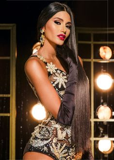 Sthefany Gutierrez Miss Universe 2018 swimsuit Venezuela Miss Universe Gowns, Venezuelan Women, Miss Venezuela, Gloves Fashion, Long Black Hair, Brunette Beauty, Beauty Pageant, Beauty Queens, Girls Image