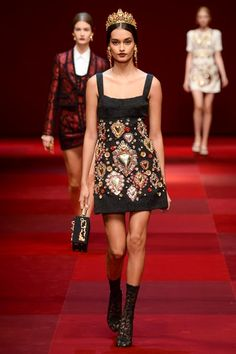 Dolce & Gabbana Spring 2015 Ready-to-Wear - Helena Bordon