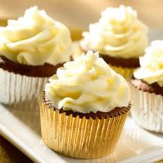 Chocolate Cupcakes with Whipped Vanilla Frosting... This will surely be the best part of your kids lunch.