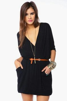 Black Minidress With V-Neck and Belt