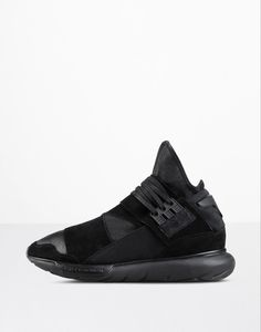 Yohji Yamamoto partnered with adidas to bring you designer sports fashion from the East. Come find the latest from Yohji Yamamoto today. High Shoes, Men's Shoes, Sneaker Release, Yohji Yamamoto, Sport Fashion, All Black Sneakers, Adidas Sneakers, Stuff To Buy, Men's Footwear