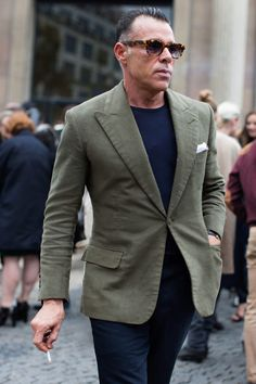 George Cortina Olive Jacket no tie – simple, elegant and oh so good! The Sartorialist, Asian Men Fashion, Mens Fashion Suits, Men's Fashion, Blazer Fashion, Fashion Tips, Best Street Style, Olive Jacket, Casual Wear For Men