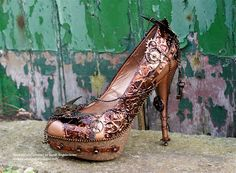Amazing Steampunk Shoe Created by Sarah Engels Greer...take a trip through a steampunk fairytale by visiting Sarahs blog to see all of the glorious details!