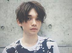 【メンズ・髪型】センターパートで男前に!前髪の真ん中分けセットにTRY - Latte