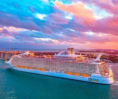 Pictures Alone Printing Architecture Sculptural Fashion Symphony Of The Seas, Harmony Of The Seas, Cruise Travel, Cruise Vacation, Pool Activities, Cruise Packages, Best Cruise, Disney Cruise Line, Royal Caribbean