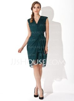 Sheath V-neck Knee-Length Chiffon Mother of the Bride Dresses With Ruffle (008006152)