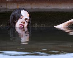 hula-sean-yoro-water-mural-street-art-portrait