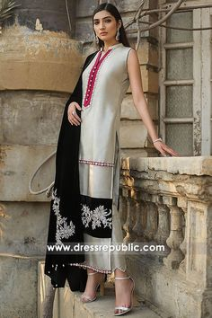 High quality haute couture dresses for Women shop online. Shadi Dresses, Pakistani Formal Dresses, Pakistani Fashion Casual, Pakistani Wedding Outfits, Pakistani Dress Design, Indian Dresses, Indian Fashion, Women's Fashion, Stylish Dress Designs