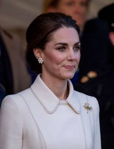 LONDON, ENGLAND - JUNE Catherine, Duchess of Cambridge attends the Household Division Beating Retreat at Horse Guards Parade on June 2019 in London, England. (Photo by Mark Cuthbert/UK Press via Getty Images) Duchess Kate, Duke And Duchess, Horse Guards Parade, Royal Crown Jewels, Royal Clothing, Short Grey Hair, British Royal Families, Cuthbert, Kate Middleton Style