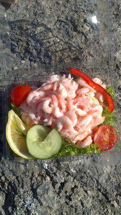 Räkor......... Salads, Vegetables, Food, Essen, Vegetable Recipes, Meals, Yemek, Salad, Veggies