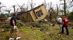 Newsela | Devastating tornado tears through Oklahoma town, killing dozens