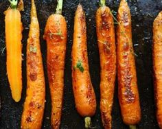 Roasted Squash and Carrots Recipe paleohacks recipes coconut oil Honey Roasted Carrots, Baked Carrots, Roasted Vegetables, Honey Glazed Carrots, Grilled Veggies, Squash And Carrot Recipe, Carrot Recipes, Healthy Recipes, Side Dishes