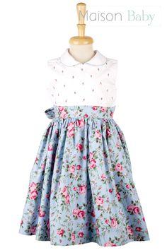 vestido infantil com saia rodada e detalhes bordados em rococó #vestidoinfantil #toddlersdress
