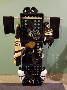 hockey drying rack diy … uses 3 stealite file boxes, 2 cable ties and a 3 & # Wooden bar from the hobby lobby. Hockey by alilacki Hockey Crafts, Hockey Decor, Sports Storage, Kids Storage, Storage Ideas, Hockey Mom, Hockey Girls, Hockey Stuff, Boys Hockey Bedroom