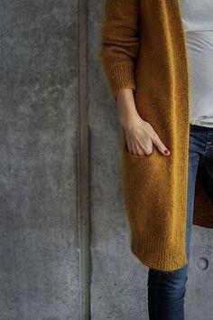 Ravelry: No Frills Cardigan pattern by PetiteKnit - knitting Cardigan Gris, Cardigan En Maille, Knit Cardigan Pattern, Oversized Cardigan, Crochet Cardigan, Coat Patterns, Knitting Patterns, Crochet Patterns, Shawl Patterns