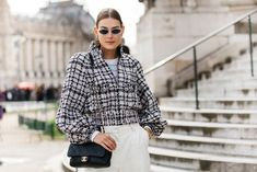 Street style : nos looks préférés de la Fashion Week de Paris automne-hiver 2020-2021 - Page 2 | Vogue | Vogue Paris Look Street Style, Street Style Looks, Fashion Week, High Fashion, Fashion Mode, Vogue Paris, Men Casual, Mens Tops, Outfits