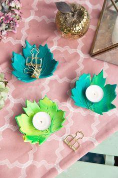 DIY: Autumnal leaf tealight holder made of FIMO Kids Crafts, Easy Paper Crafts, Leaf Crafts, Crafts For Teens, Hobbies And Crafts, Diwali Activities, Craft Activities, Diwali Craft For Children, Diy Fimo