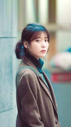 She is gorgeous I m serious 💜 Korean Star, Korean Girl, Asian Girl, Iu Short Hair, Short Hair Styles, Korean Celebrities, Celebs, Korean Actresses, Film Serie