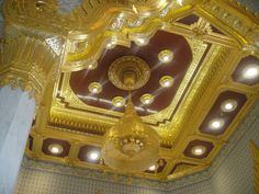 Ceiling at Wat Traimit (Temple of the Golden Buddha)