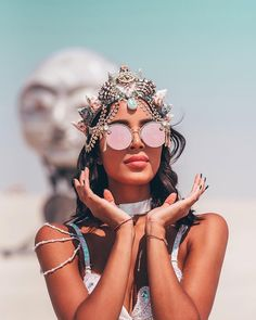 Burning Man 2018 Mega-Post: Awesome Photos From The World's Biggest And Craziest Festival – Design You Trust Burning Man Girls, Burning Man 2017, Burning Man Art, Music Festival Outfits, Festival Costumes, Music Festival Fashion, Festival Clothing, Look Festival, Rave Festival