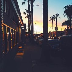 Sunset cravings!  #losangeles #sunset #thosecolors #seriously #lppcityguidetoLA