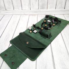 Органайзер для проводов, подзарядки и т.д. Кожа Крейзи Хорс. Цвет- зеленый Разме Cable Cover