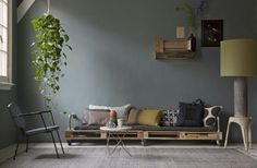 Daybed , cushions, pallets, scaffolding pipe, weels.