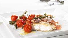 Der Schinken verleiht dem Fisch einen besonders herzhaften Geschmack: Seelachs mit Schinken | http://eatsmarter.de/rezepte/seelachs-mit-schinken