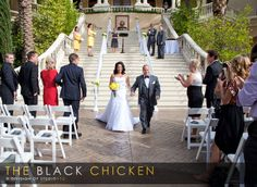 Green Valley Resort & Casino Officiant: Peachy Keen Unions, Angie Kelly Photo: The Black Chicken