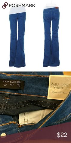 """Flared Zara Basic Jeans NWT. 26"""" waist, 34"""" inseam. Regular rise. Euro size 34 = US size 2. All pictures are of the actual item that you will receive. Smoke-free home. Zara Jeans Flare & Wide Leg"""