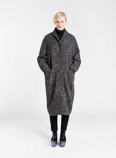 Marimekko Kotilo Coat -- because a girl can dream Fashion Bags, Fashion Outfits, Marimekko, White Outfits, What To Wear, Fur Coat, Raincoat, Normcore, My Style