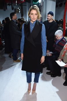 Greta Gerwig Photos Photos - Actress Greta Gerwig attends the Calvin Klein Collection Front Row during New York Fashion Week on February 10, 2017 in New York City. - Calvin Klein Collection - Front Row - February 2017 - New York Fashion Week