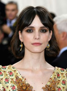 f3bbc1b30dc Stacy Martin High Forehead Hairstyles