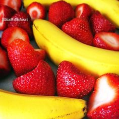 Strawberry Banana Baby Food Recipe Made this for Macy and she loved it! Fruit Recipes, Baby Food Recipes, Salad Recipes, Fresco, Salad Packaging, Strawberry Nutrition Facts, Banana Nutrition, Fruit Salad With Marshmallows, Banana Baby Food