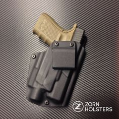 Wraith holster for the Glock 19 with a Streamlight TLR-4