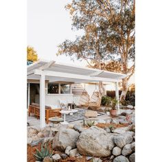 If you are looking for Outdoor Living Spaces, You come to the right place. Here are the Outdoor Living Spaces. This post about Outdoor Living Spaces was posted under. Deco Boheme, Outdoor Spaces, Outdoor Decor, Outdoor Ideas, Pergola Designs, Porch Designs, Backyard Patio, Backyard Landscaping, Beach House