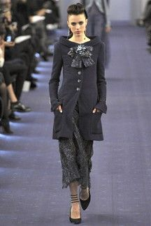 Chanel - number 19: great neckline and length