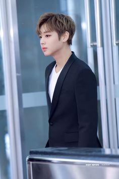 171225 Wanna One at SBS Gayo Daejun Red Carpet #Jihoon