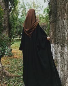 Niqab Fashion, Modern Hijab Fashion, Hijab Niqab, Muslim Hijab, Hijabi Girl, Girl Hijab, Black Hijab, Hijab Evening Dress, Stylish Hijab