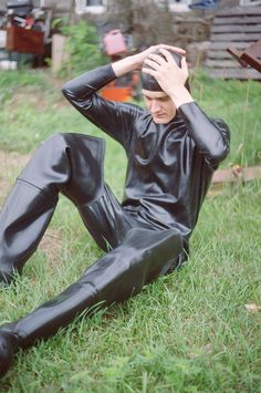 Full rubber suiting up