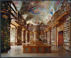 La bibliothèque du monastère de St Florian, Autriche 2