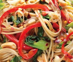 Spaghetti with pakchoi,peppers etc