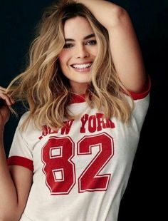 margot robbie, harley quinn, and suicide squad resmi Margo Robbie, Margot Elise Robbie, Margot Robbie Harley Quinn, Margot Robbie Pictures, Atriz Margot Robbie, Actress Margot Robbie, Blonde Makeup, Pretty People, Beautiful People