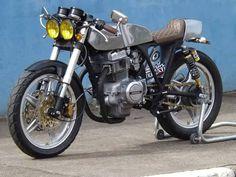 Brazilian cafe racer - My Honda CB 400 80', customized by Zucconi Moto Design. #HandMade #Cafe-Racer